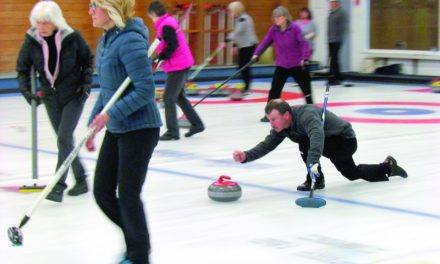 PHOTOS: Mixed bonspiel a well-attended affair