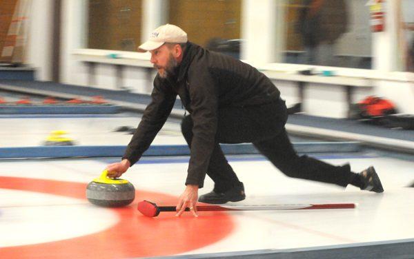 Van Rossum rink wins men's bonspiel