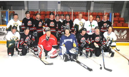 Devils turn up the heat in men's oldtimer hockey